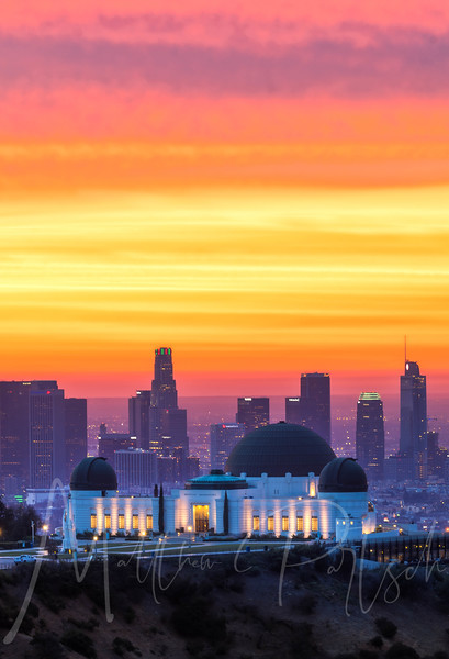 Griffith Observatory at sunrise.  12/23/17.  Met @tdangphoto and we split ways...I ran up the hill, he ran down.  Who is ready for @donut.street.meet ?