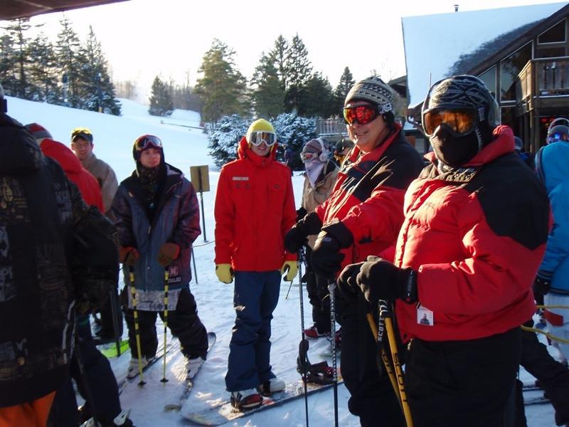 SnowTrailsOpeningDay12_16_09_010.jpg