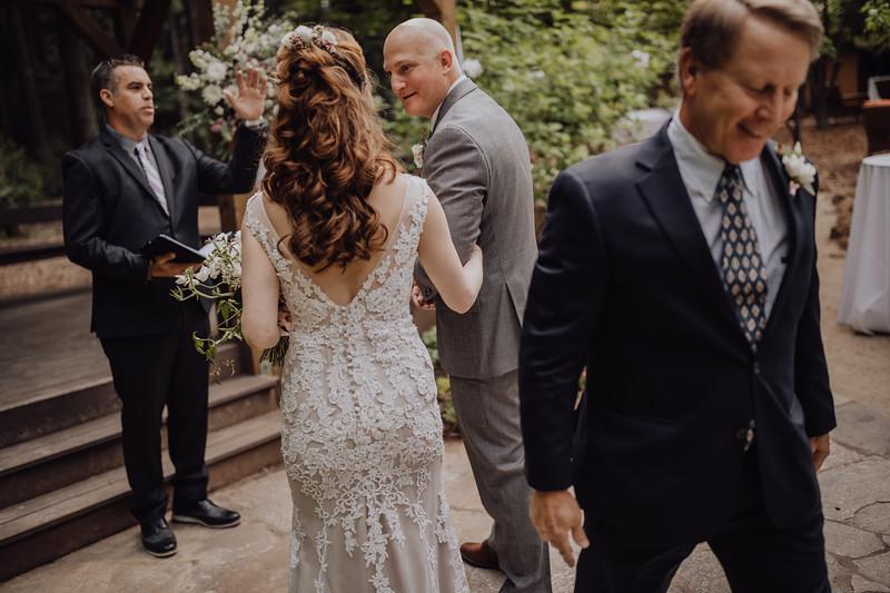 2018-05-12_ROEDER_JulieSeth_Wedding_ROEDER1_0129.jpg