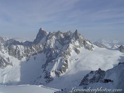 L'Aiguille du midi-le Mont Blanc