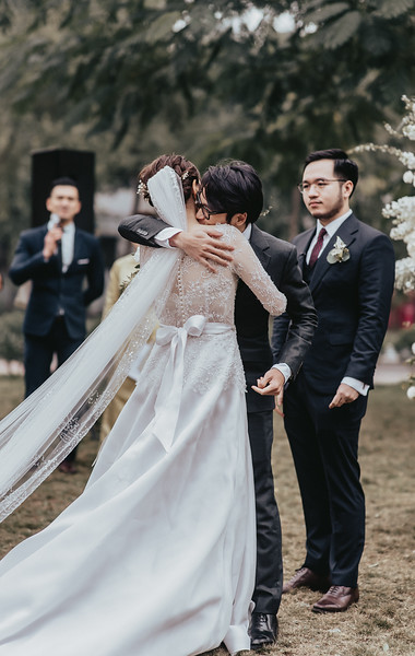 JWMarriott Ha Noi Intimate Wedding of Trang Hi well captured by Hipster Wedding Vietnam Wedding Photographer-4026.jpg