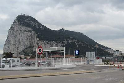 Gibraltar : from La Linea da la Concepcion [Vivienne]