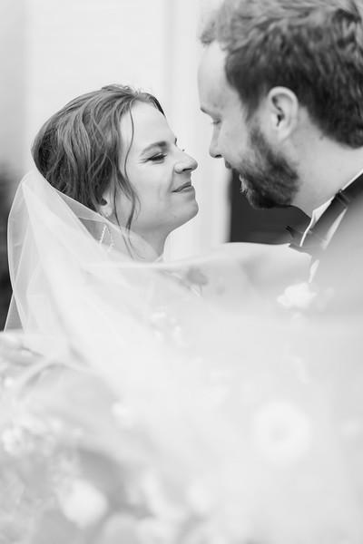 436_Ryan+Hannah_WeddingBW.jpg