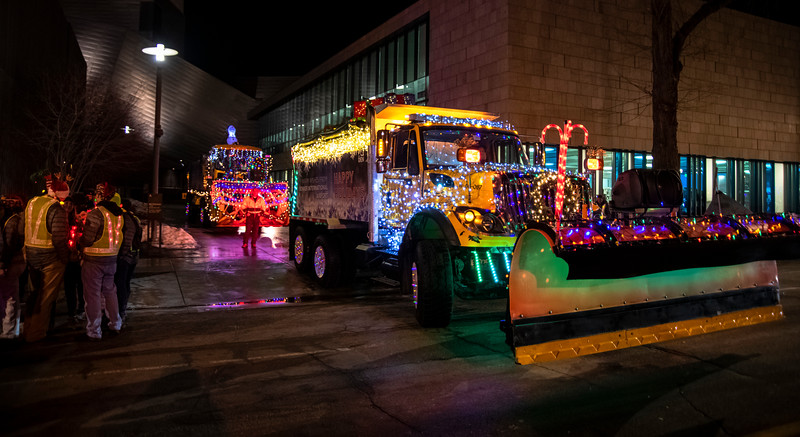 DIA parade of LIghts 201917071219.jpg
