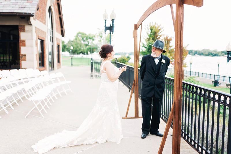 chateau-on-the-river-trenton-michigan-wedding-0090.jpg