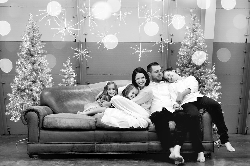 Christmas Mini: The Miller Family