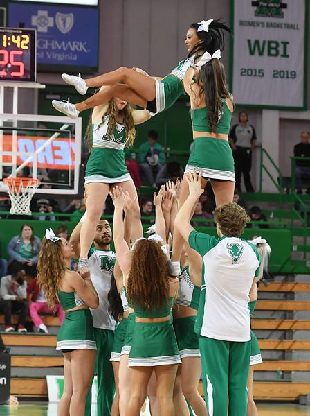 cheerleaders3206.jpg
