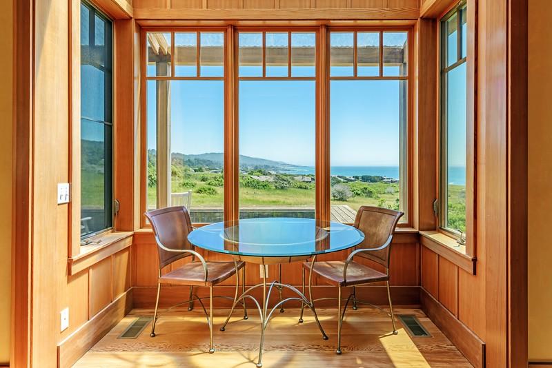 Breakfast Nook and Ocean Views
