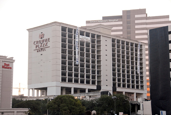 Medical Center Crown Plaza Hotel Implosion