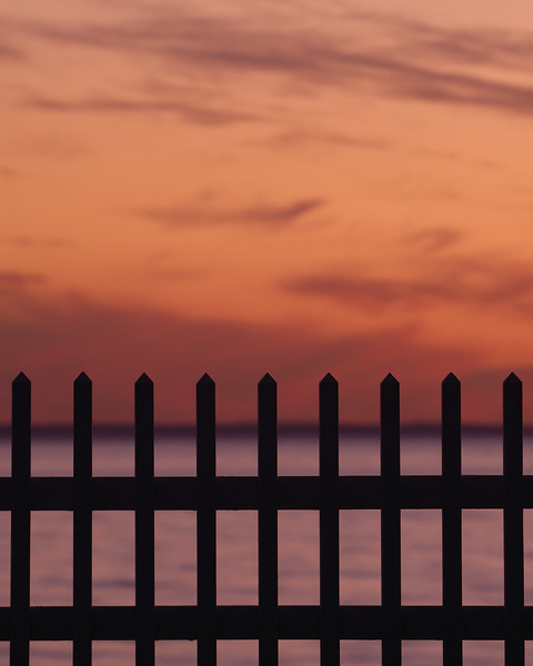 2009_12_27 8246 picket fence.jpg