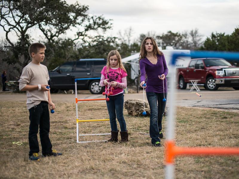 3 kid toss.jpg