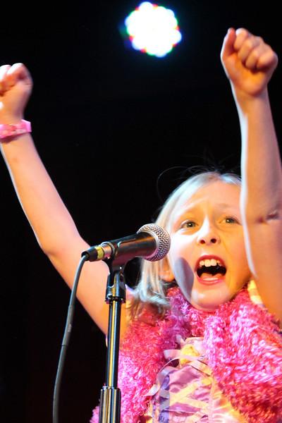 2011.12.12 Suzi Shelton Concertf-105.jpg