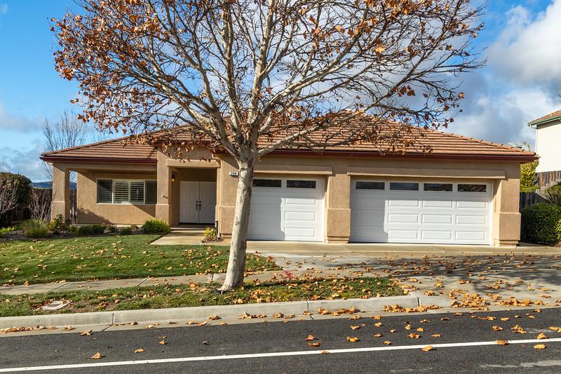 299 Montebello Oaks 4 Exterior.jpg