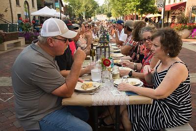 Batavia Dinner Table