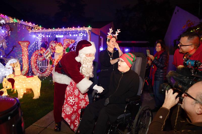 12-08-19-Christmas With Chris & Family-3.jpg