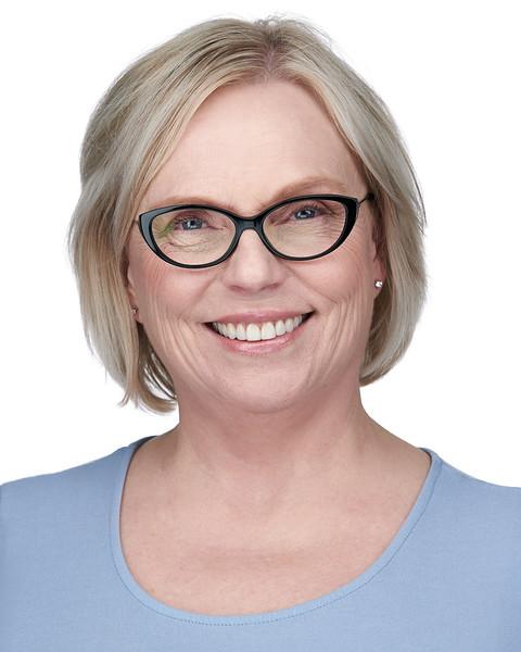 200f2-ottawa-headshot-photographer-Holly Bridges 17 May 201948367-Web.jpg