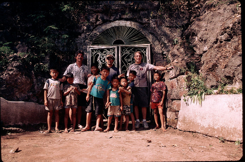 LaosCanada1_026.jpg