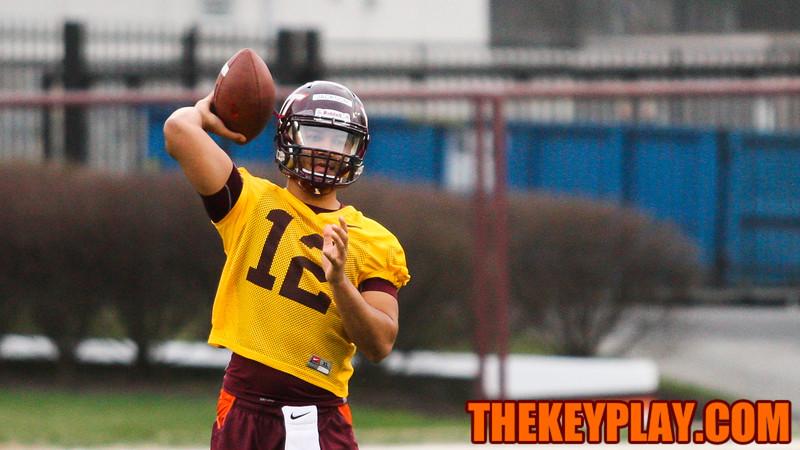 QB Josh Jackson warms up before drlls. (Mark Umansky/TheKeyPlay.com)
