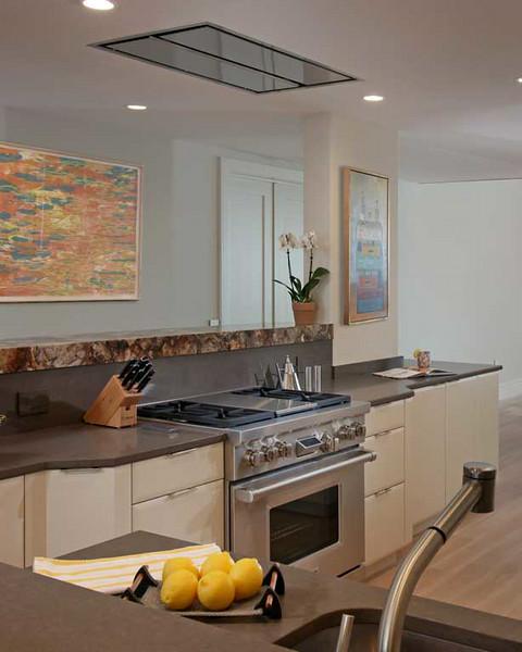 Vill_Kitchen6.jpg
