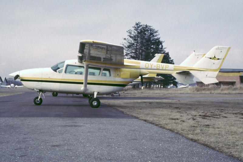 OY-BVP-Cessna337DSuperSkymaster-Private-EKBI-1985-RB-45-KBVPCollection.jpg