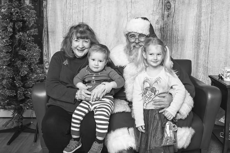 Ameriprise-Santa-Visit-181202-4970-BW.jpg