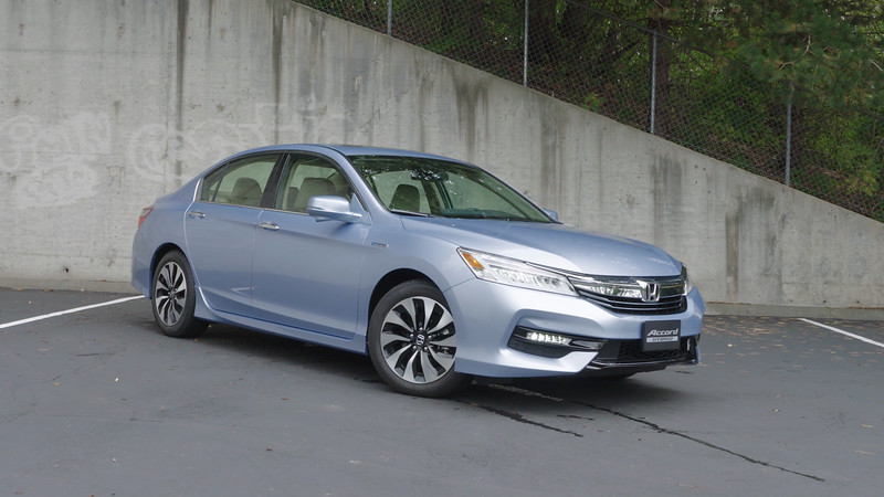 2017 Honda Accord Hybrid Touring Edition Parked Reel