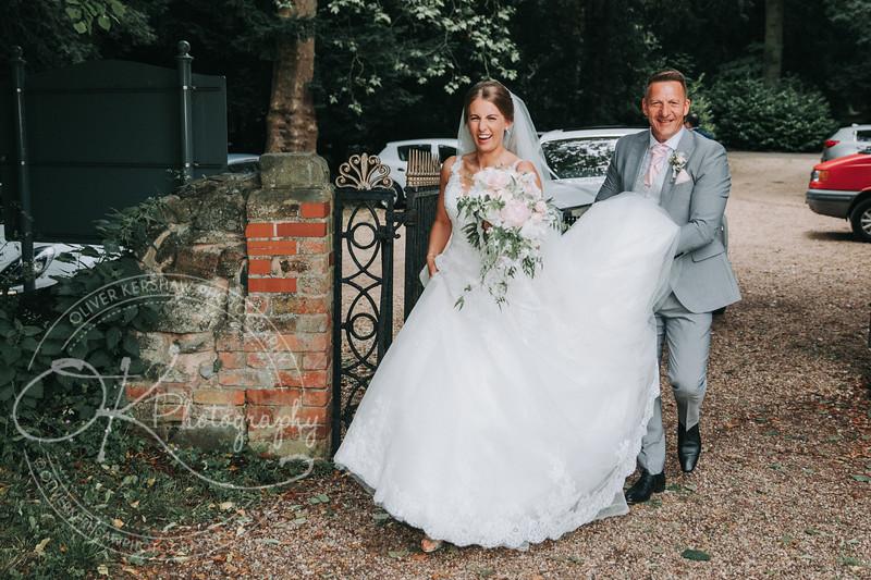 Louise & Jake-Wedding-By-Oliver-Kershaw-Photography-131111-2.jpg