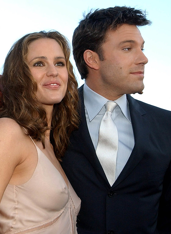 . Actress Jennifer Garner, left, and actor Ben Affleck pose in Los Angeles in a Feb. 9, 2003 photo.  (AP Photo/Chris Pizzello, file)