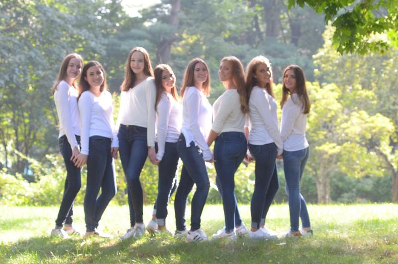 Julia Friend Group Pics - 118 of 308.jpg