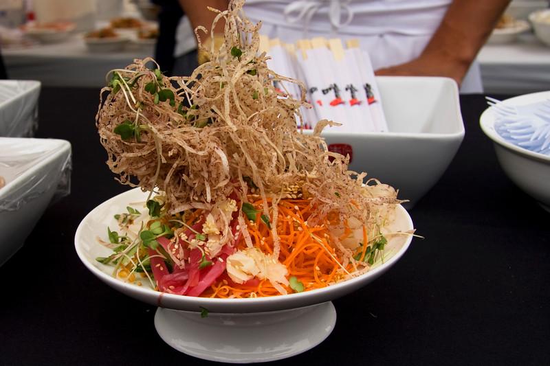 susur-lees-signature-nineteen-ingredient-singapore-slaw_3622771725_o.jpg