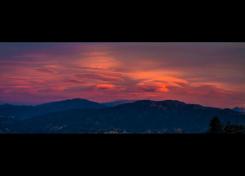Lenticular_Clouds_San_Gabriel_Mountains_UFO_Sky_Colorful_DSC5317 pano.jpg