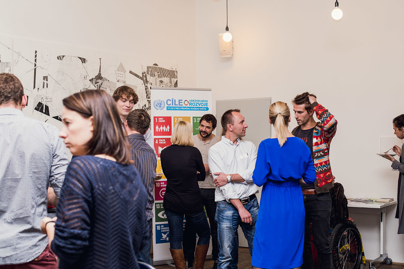 2016-10-13 Networking spolecenske odpovednosti male 057.jpg