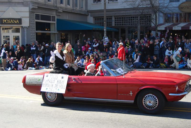 Parade 408.jpg