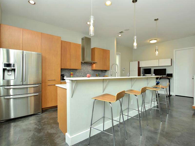 017_Kitchen Bar 2.jpg