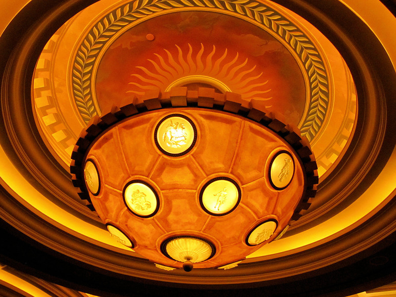 chandelier in Caesar's Palace.jpg