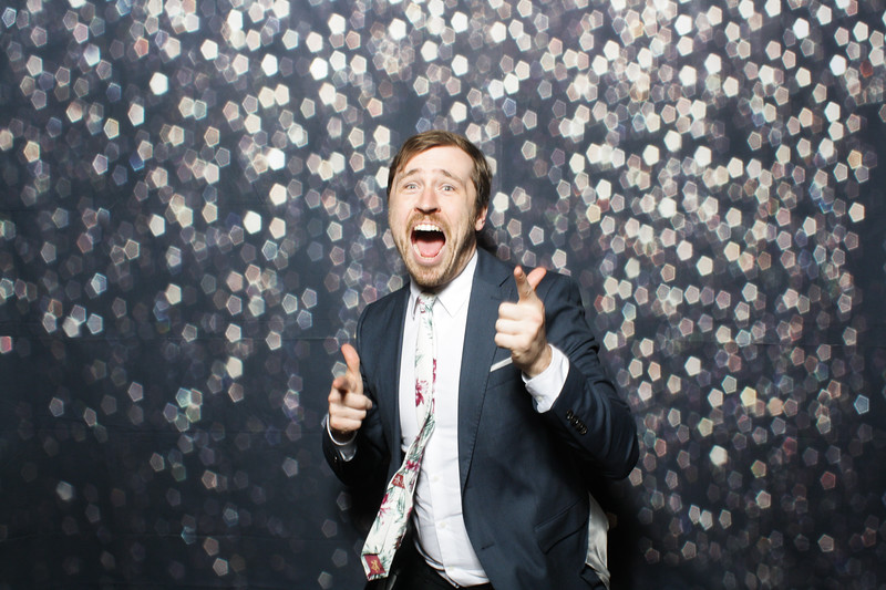 SavannahRyanWeddingPhotobooth-0029.jpg
