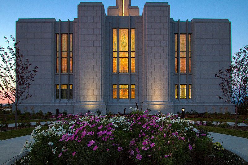 SunriseCalgaryTemple003.jpg