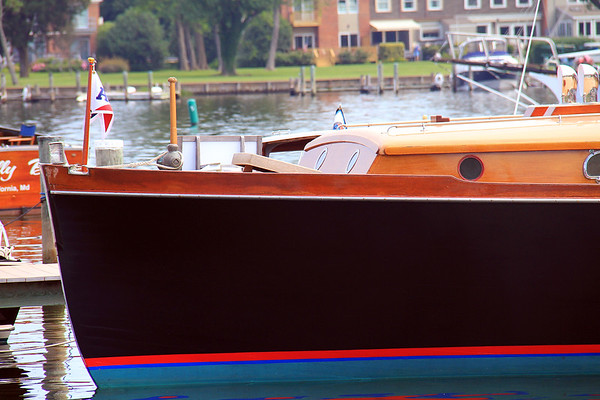 Antique & Classic Boats