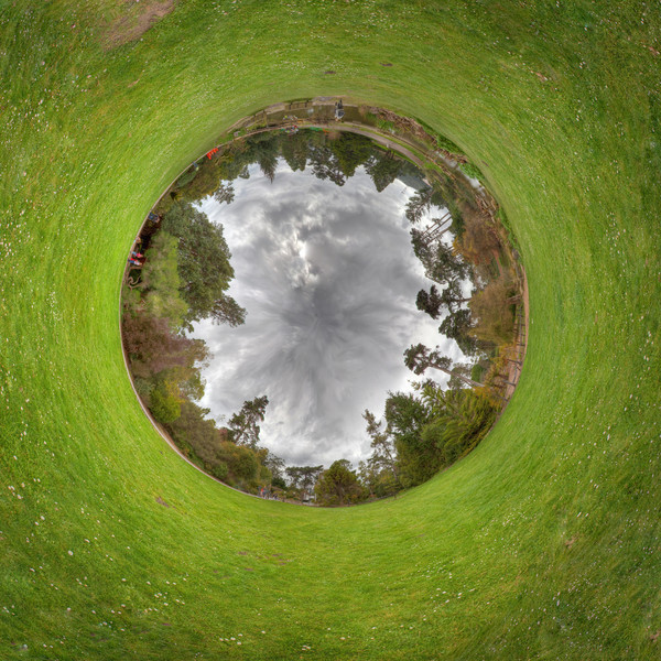 Botanical HDR pano 1 wormhole.jpg