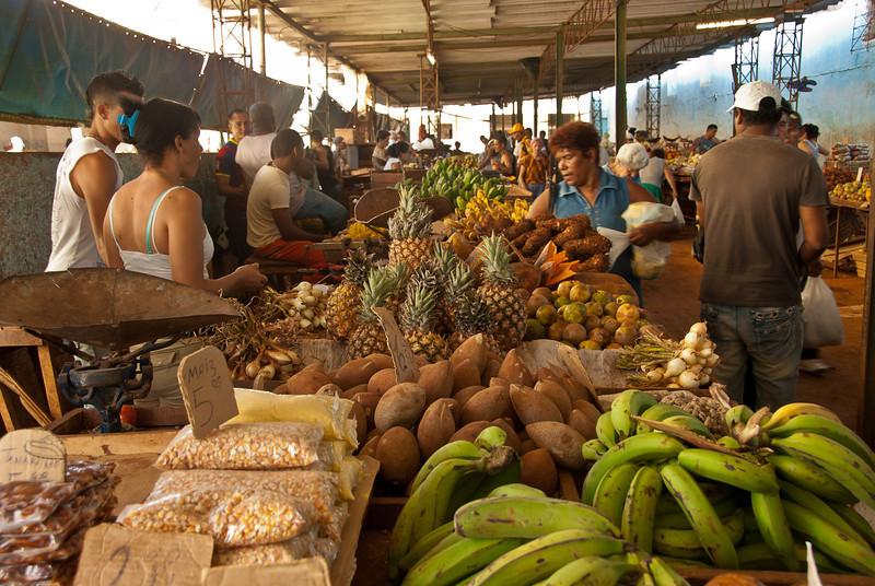 2011-04-04_Havana_OldTown_CasaBlanca_8101.jpg