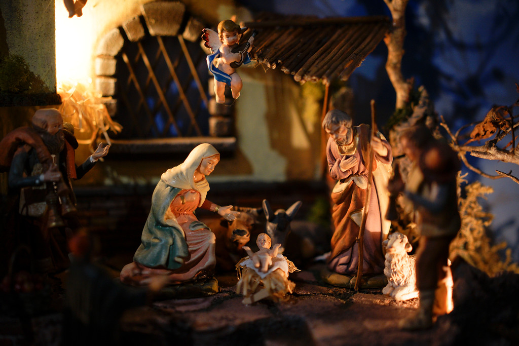 ". A detail of a traditional Italian nativity scene is displayed at the ""100 Presepi\"", 100 nativity scenes exhibition, in Rome, Thursday, Nov. 23, 2017. The exhibition, consisting in 152 nativity scenes from all Italian regions and 40 other countries, will be visible over the Christmas festivities. (AP Photo/Andrew Medichini)"