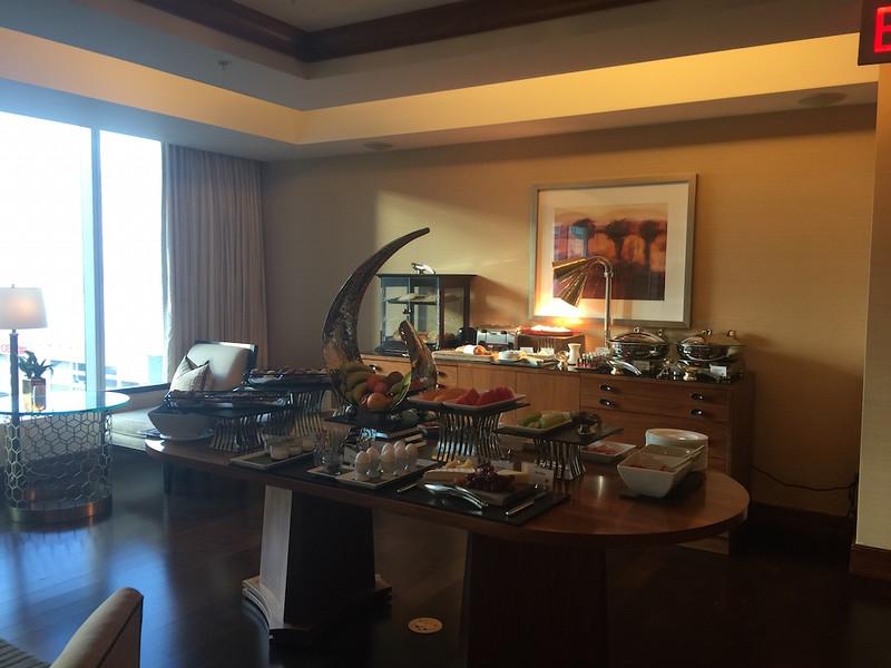 Ritz Carlton Toronto Lounge.JPG