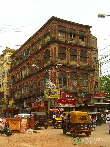 Typical Busy Street Corner in Kolkata - India