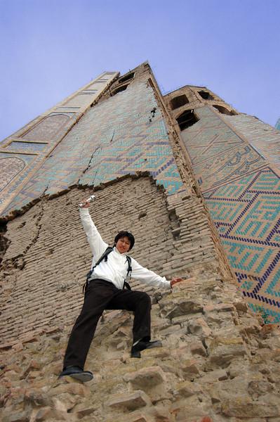 050425 3428 Uzbekistan - Samarkand - Bibi Honim Mosque _D _E _H _N ~E ~P.JPG