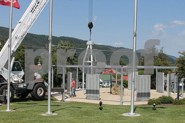 Beams Installed at Veterans Memorial Park - August 2015