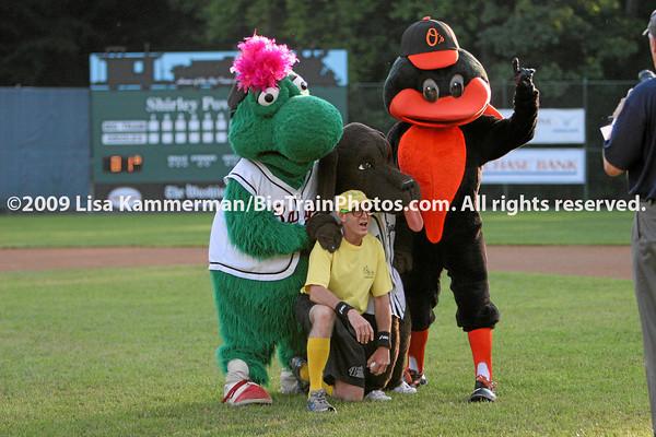 vs. Youse's Orioles, 6/25/09, Fans