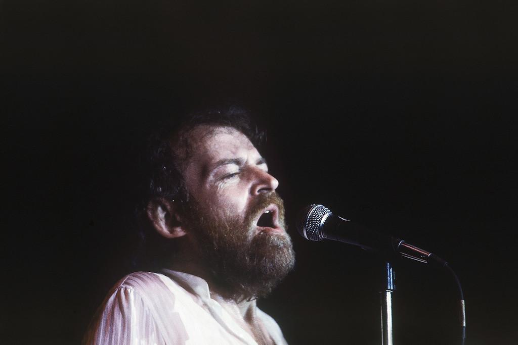 . Joe Cocker,  performing live in Tel Aviv, Israel in July 1983. (AP Photo/Max Nash)