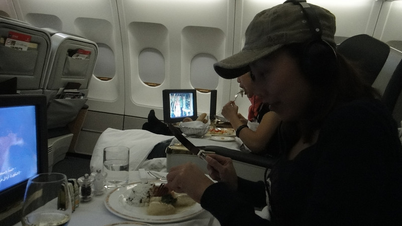 [20101009] Day 10 - BB 1st Class on Emirates Airlines (21).JPG