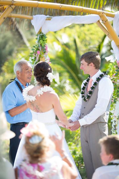 gillin beach kauai wedding-85.jpg