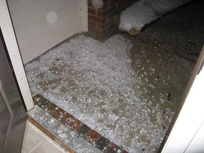 Huge Hailstorm (04/17/2008)